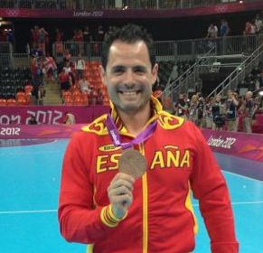 Dr-Flores-medallista-olimpico